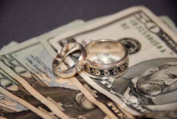 Expulzari de romani din America pentru casatorii fictive