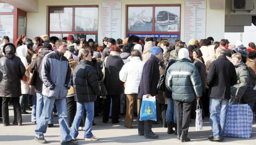 Din cauza corupției din România, in fiecare ora, 9 romani parasesc tara